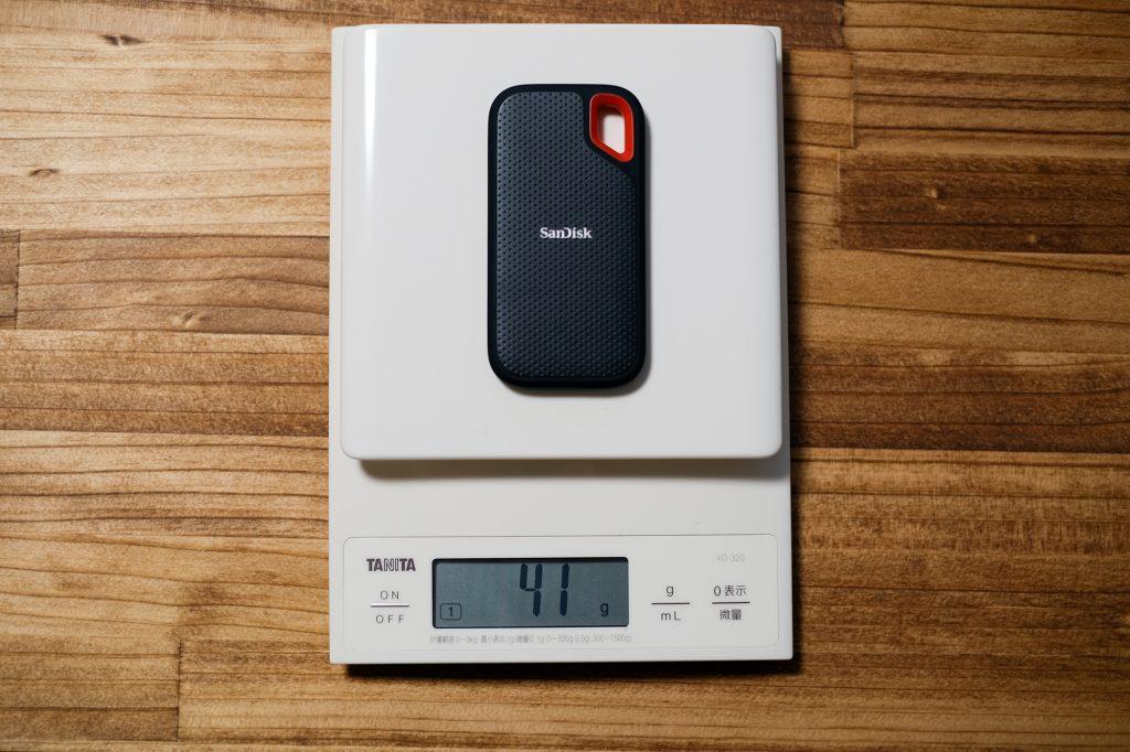 サンディスク エクストリーム ポータブル SSDの重さ