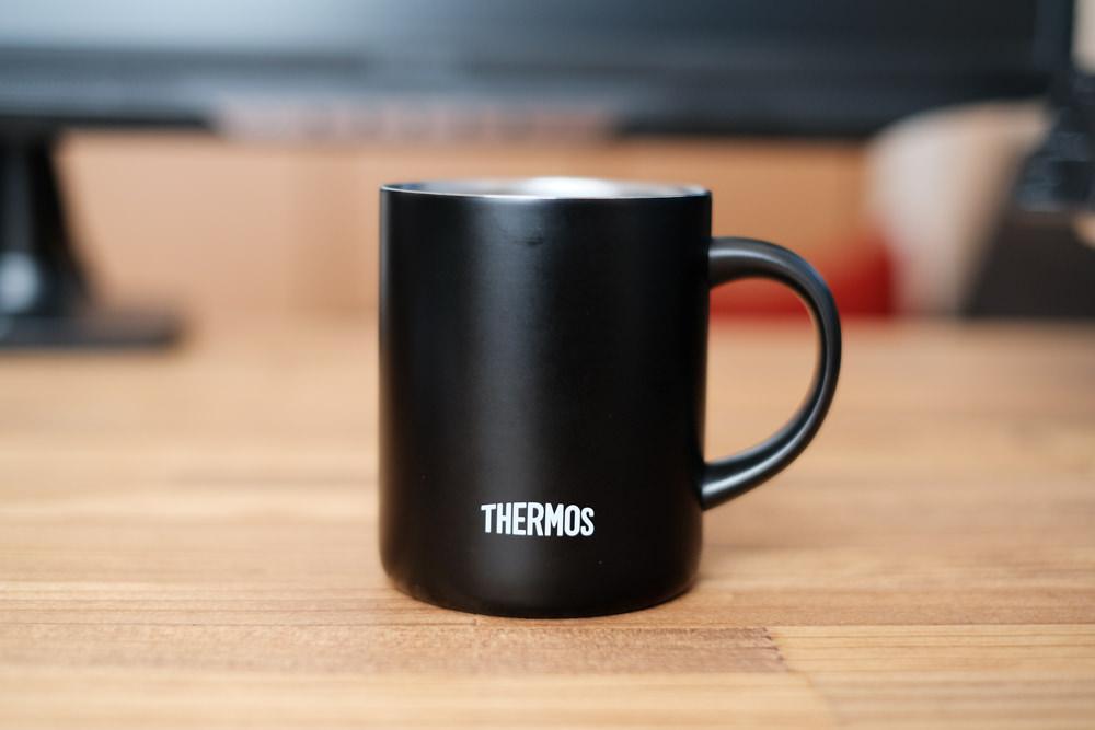サーモスマグカップ(ミラーレス一眼 X-T30撮影)1