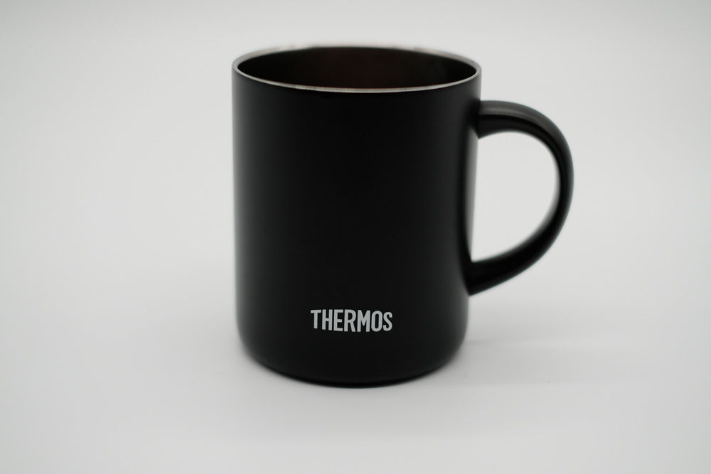 サーモスマグカップ(ミラーレス一眼 X-T30撮影)2
