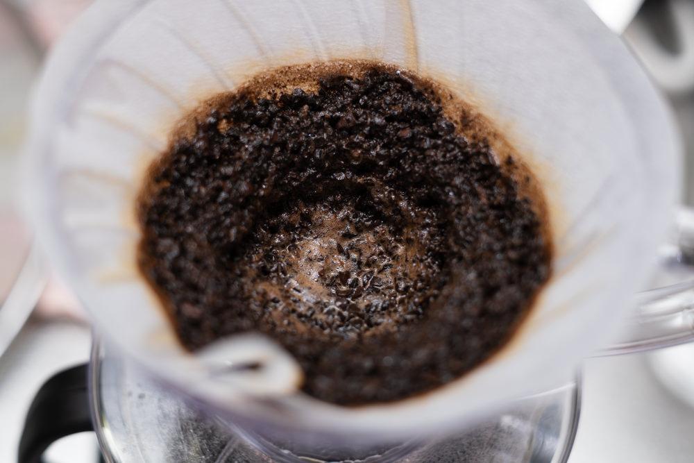 ドリップ中のコーヒー