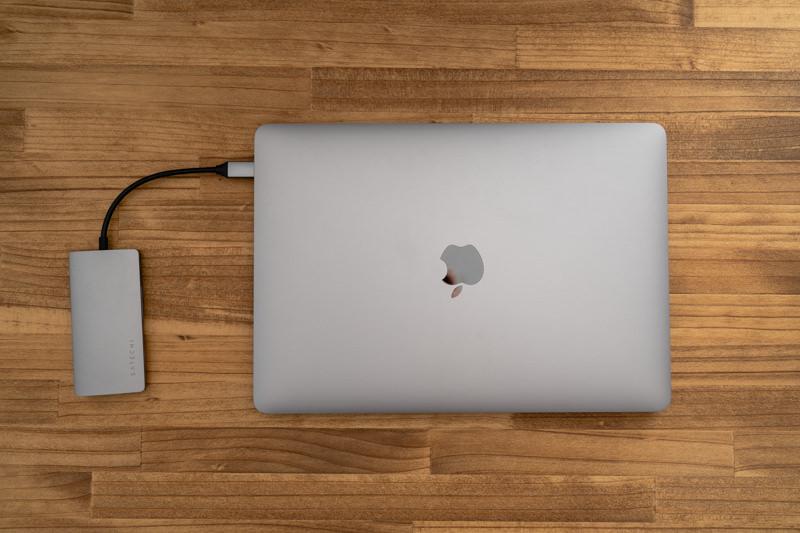 Satechi V2 マルチ USB Type-Cハブとmacbookpro
